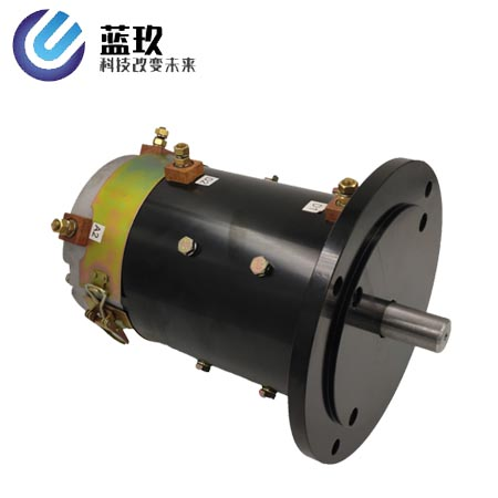 Low voltage high power DC series excitation traction motor